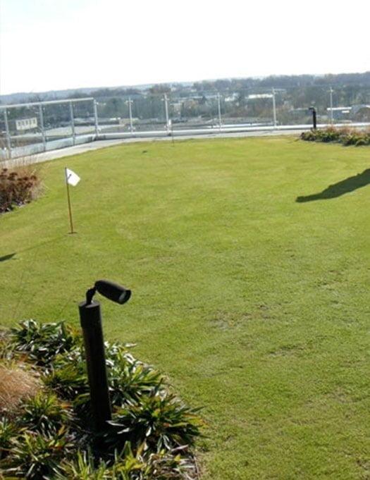 Sistem de termoizolatie si hidroizolatie a acoperisurilor cu vegetatie / jardiniere / gradini
